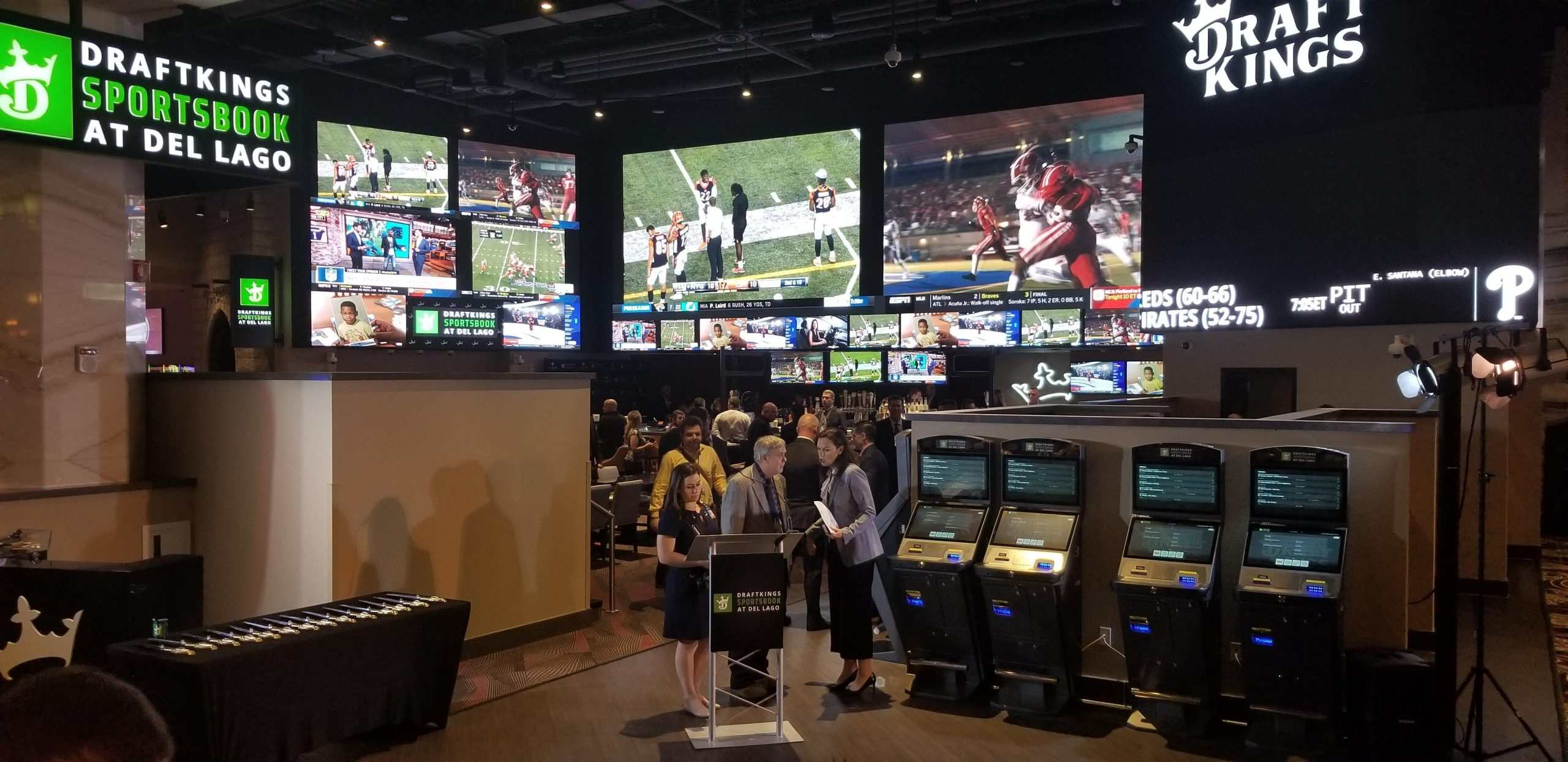 NFL Inks DraftKings as 'Official Daily Fantasy Partner'