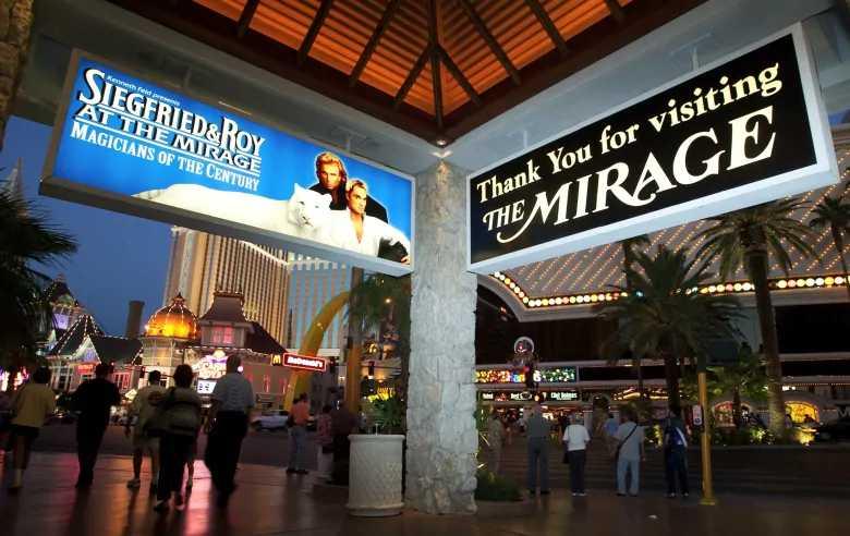 Legendary Las Vegas Magician Roy Horn Dead at 75
